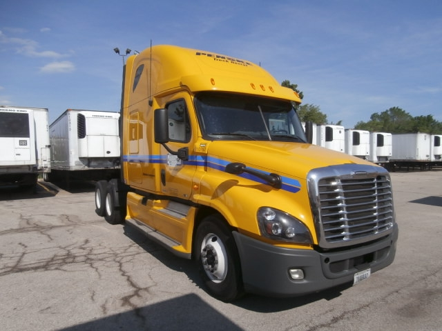 Sleeper Tractor-Heavy Duty Tractors-Freightliner-2012-Cascadia 12564ST-DENVER-CO-558,996 miles-$37,500