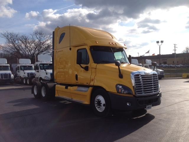 Sleeper Tractor-Heavy Duty Tractors-Freightliner-2012-Cascadia 12564ST-YORK-PA-620,895 miles-$34,750