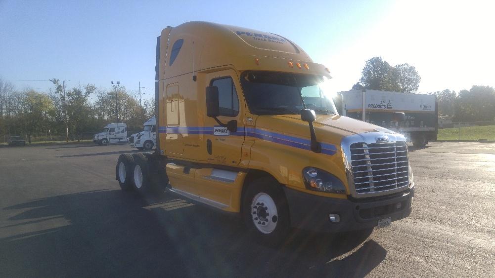 Sleeper Tractor-Heavy Duty Tractors-Freightliner-2012-Cascadia 12564ST-WEST SACRAMENTO-CA-596,607 miles-$34,250