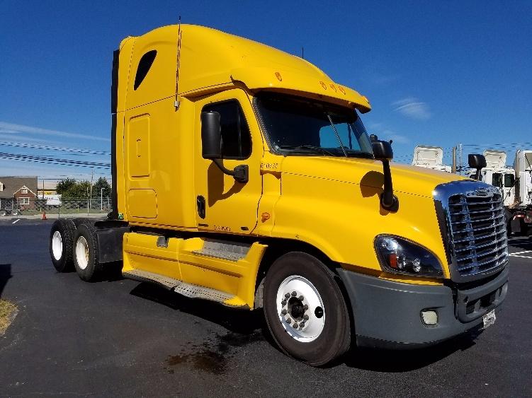Sleeper Tractor-Heavy Duty Tractors-Freightliner-2012-Cascadia 12564ST-HARRISBURG-PA-522,196 miles-$34,000