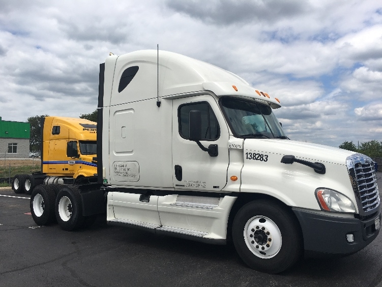 Sleeper Tractor-Heavy Duty Tractors-Freightliner-2012-Cascadia 12564ST-HAGERSTOWN-MD-643,170 miles-$34,000