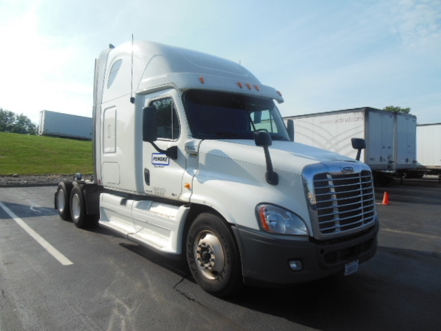 Sleeper Tractor-Heavy Duty Tractors-Freightliner-2012-Cascadia 12564ST-GUILDERLAND CENTER-NY-469,351 miles-$38,500