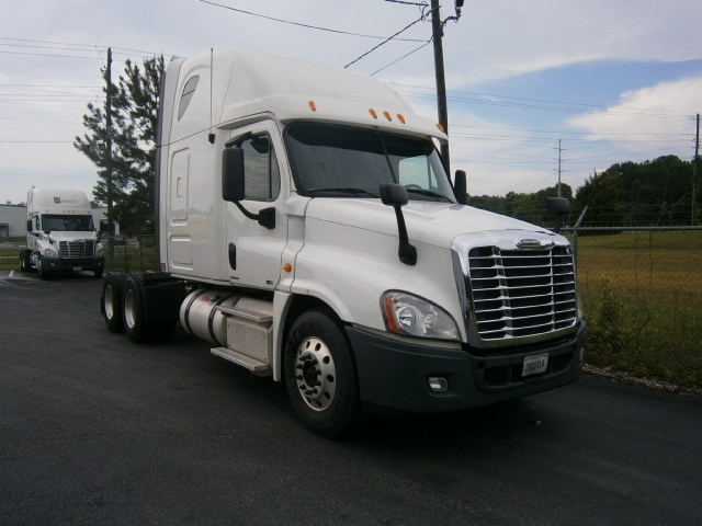 Sleeper Tractor-Heavy Duty Tractors-Freightliner-2012-Cascadia 12564ST-TUSCALOOSA-AL-444,899 miles-$41,500