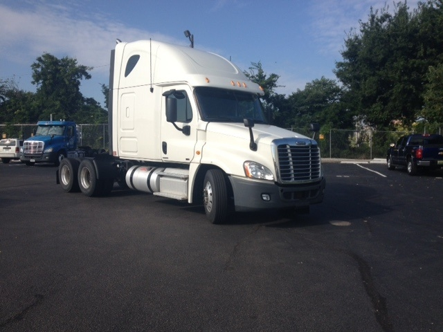 Sleeper Tractor-Heavy Duty Tractors-Freightliner-2012-Cascadia 12564ST-ALABASTER-AL-517,890 miles-$39,250