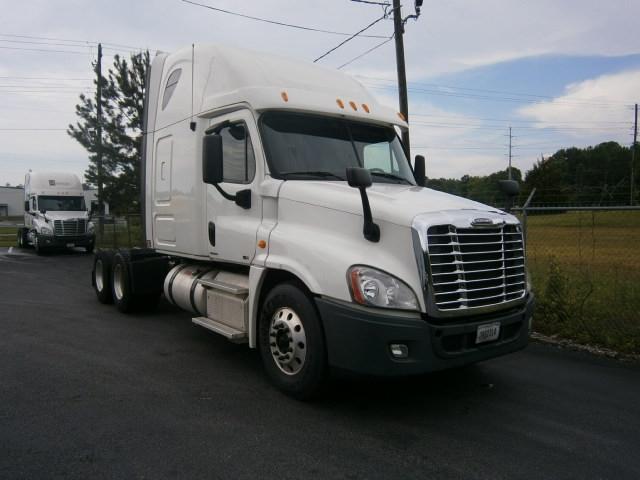 Sleeper Tractor-Heavy Duty Tractors-Freightliner-2012-Cascadia 12564ST-PELL CITY-AL-483,486 miles-$41,250