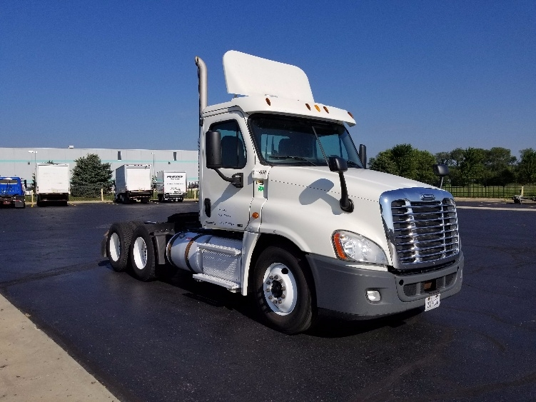 Day Cab Tractor-Heavy Duty Tractors-Freightliner-2012-Cascadia 12564ST-MILWAUKEE-WI-342,632 miles-$31,250
