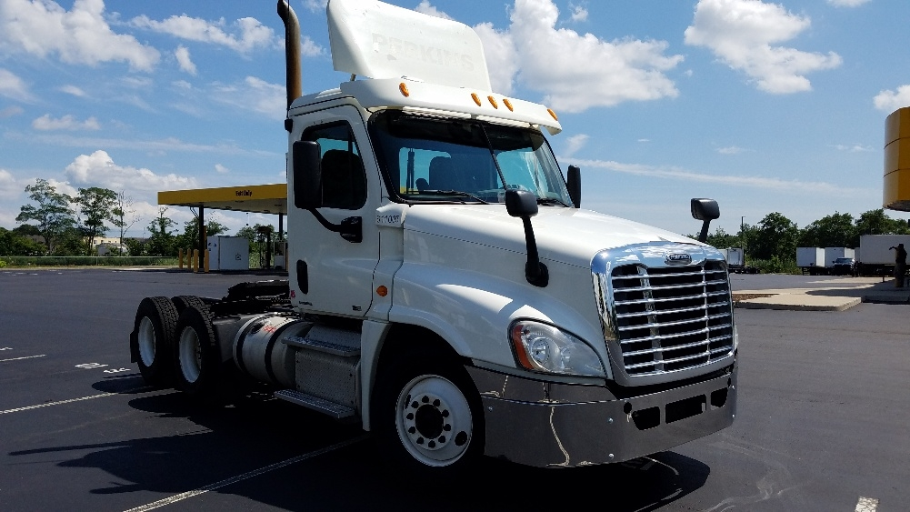Day Cab Tractor-Heavy Duty Tractors-Freightliner-2012-Cascadia 12564ST-WEST HAVEN-CT-552,623 miles-$28,000