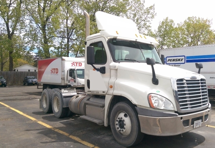 Day Cab Tractor-Heavy Duty Tractors-Freightliner-2012-Cascadia 12564ST-NORTH BERGEN-NJ-142,558 miles-$14,000