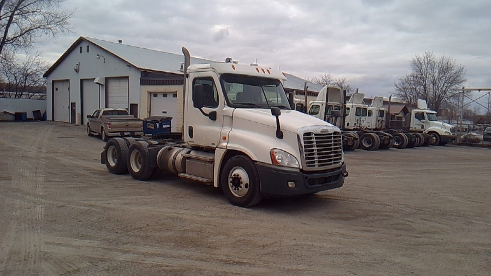 Day Cab Tractor-Heavy Duty Tractors-Freightliner-2012-Cascadia 12564ST-ST CLOUD-MN-284,777 miles-$43,000