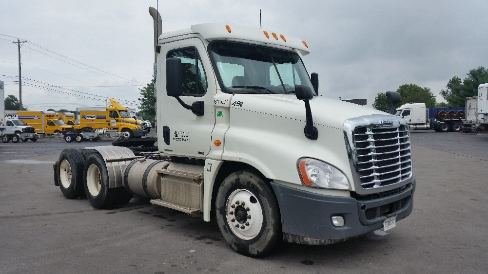 Day Cab Tractor-Heavy Duty Tractors-Freightliner-2012-Cascadia 12564ST-LOUISVILLE-KY-295,719 miles-$32,750