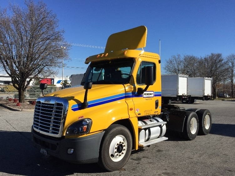 Day Cab Tractor-Heavy Duty Tractors-Freightliner-2012-Cascadia 12564ST-GREENSBORO-NC-359,302 miles-$34,750