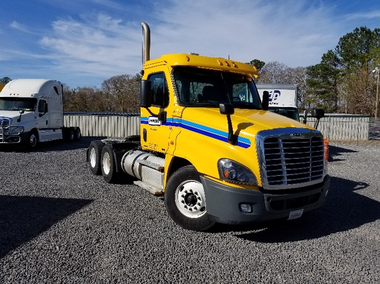 Day Cab Tractor-Heavy Duty Tractors-Freightliner-2012-Cascadia 12564ST-SUMMERVILLE-SC-464,345 miles-$33,000