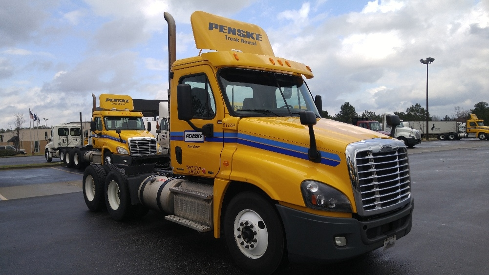 Day Cab Tractor-Heavy Duty Tractors-Freightliner-2012-Cascadia 12564ST-SPARTANBURG-SC-638,351 miles-$26,000