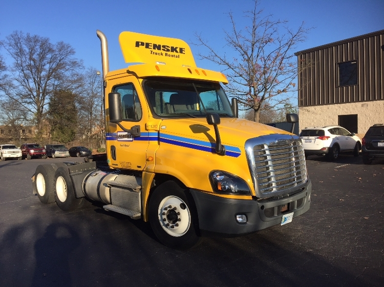 Day Cab Tractor-Heavy Duty Tractors-Freightliner-2012-Cascadia 12564ST-CHARLOTTE-NC-373,882 miles-$35,750