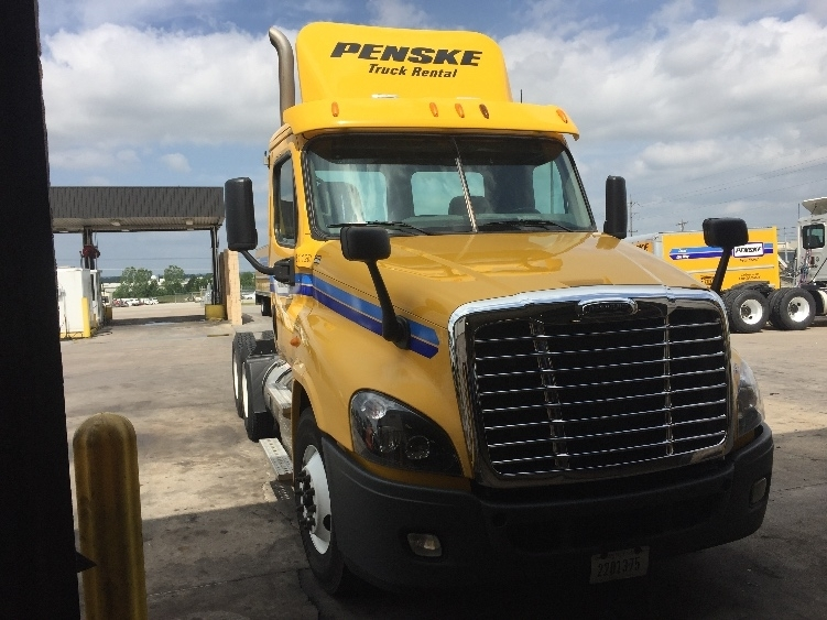 Day Cab Tractor-Heavy Duty Tractors-Freightliner-2012-Cascadia 12564ST-TULSA-OK-358,350 miles-$35,250