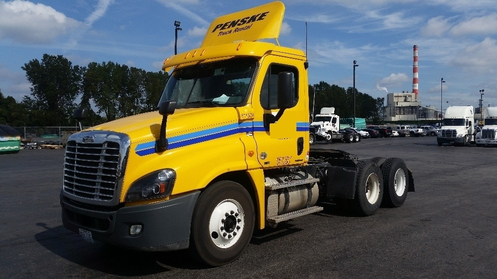 Day Cab Tractor-Heavy Duty Tractors-Freightliner-2012-Cascadia 12564ST-KANSAS CITY-MO-292,851 miles-$34,250