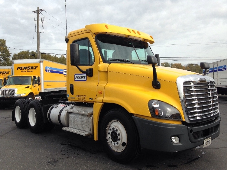 Day Cab Tractor-Heavy Duty Tractors-Freightliner-2012-Cascadia 12564ST-TACOMA-WA-248,476 miles-$45,000