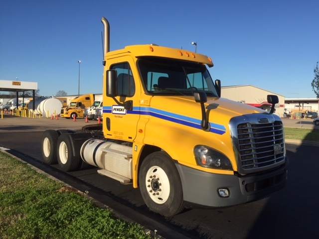 Day Cab Tractor-Heavy Duty Tractors-Freightliner-2012-Cascadia 12564ST-RICHLAND-MS-218,593 miles-$33,000