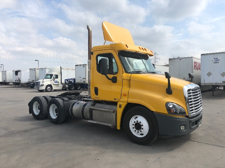 Day Cab Tractor-Heavy Duty Tractors-Freightliner-2012-Cascadia 12564ST-DALLAS-TX-279,350 miles-$40,000