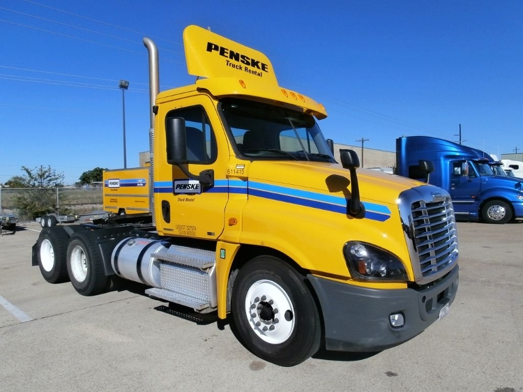 Day Cab Tractor-Heavy Duty Tractors-Freightliner-2012-Cascadia 12564ST-GARLAND-TX-266,716 miles-$44,500