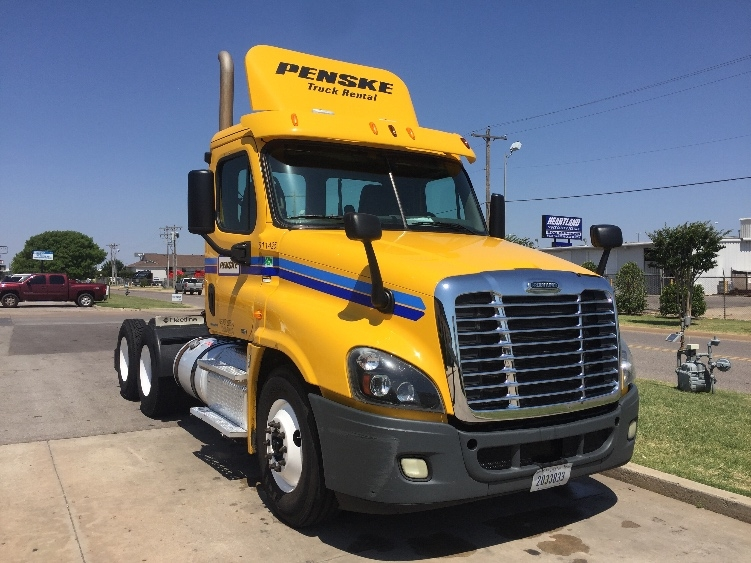 Day Cab Tractor-Heavy Duty Tractors-Freightliner-2012-Cascadia 12564ST-OKLAHOMA CITY-OK-363,628 miles-$41,750