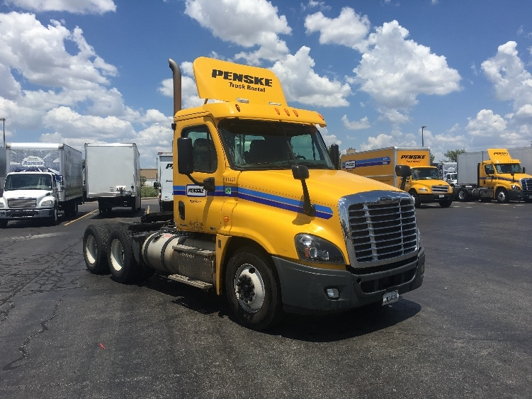 Day Cab Tractor-Heavy Duty Tractors-Freightliner-2012-Cascadia 12564ST-OKLAHOMA CITY-OK-355,500 miles-$41,750
