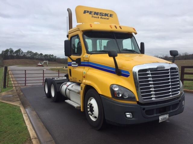 Day Cab Tractor-Heavy Duty Tractors-Freightliner-2012-Cascadia 12564ST-ALABASTER-AL-619,544 miles-$28,000