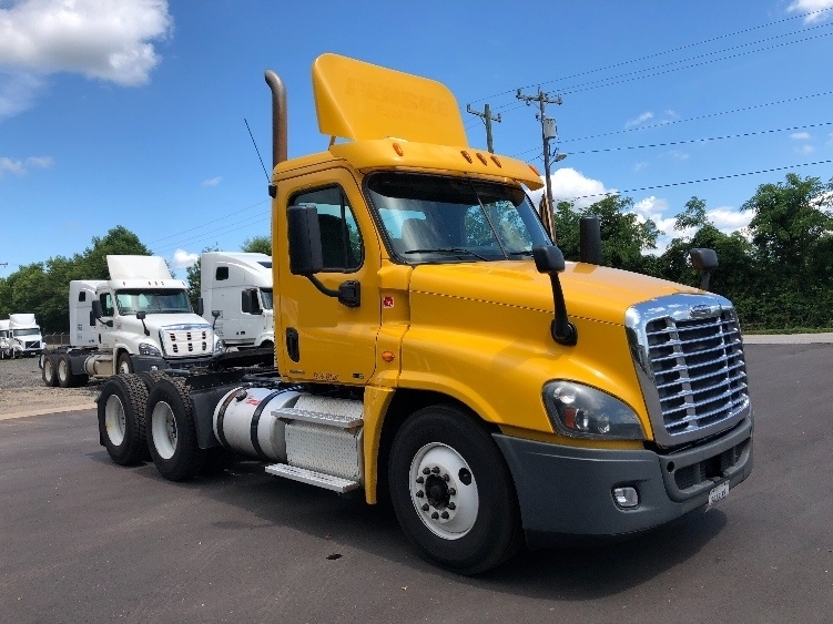 Day Cab Tractor-Heavy Duty Tractors-Freightliner-2012-Cascadia 12564ST-ANDERSON-SC-516,015 miles-$37,750