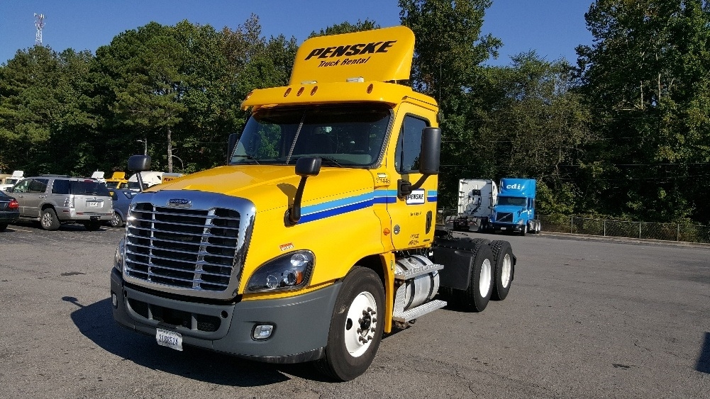 Day Cab Tractor-Heavy Duty Tractors-Freightliner-2012-Cascadia 12564ST-GREENVILLE-SC-355,608 miles-$31,250