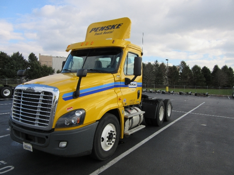 Day Cab Tractor-Heavy Duty Tractors-Freightliner-2012-Cascadia 12564ST-LANCASTER-PA-230,678 miles-$47,500