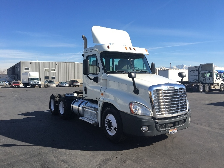 Day Cab Tractor-Heavy Duty Tractors-Freightliner-2012-Cascadia 12564ST-WEST VALLEY CITY-UT-421,253 miles-$38,500