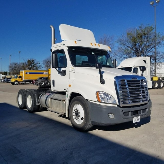 Day Cab Tractor-Heavy Duty Tractors-Freightliner-2012-Cascadia 12564ST-DALLAS-TX-197,169 miles-$46,250