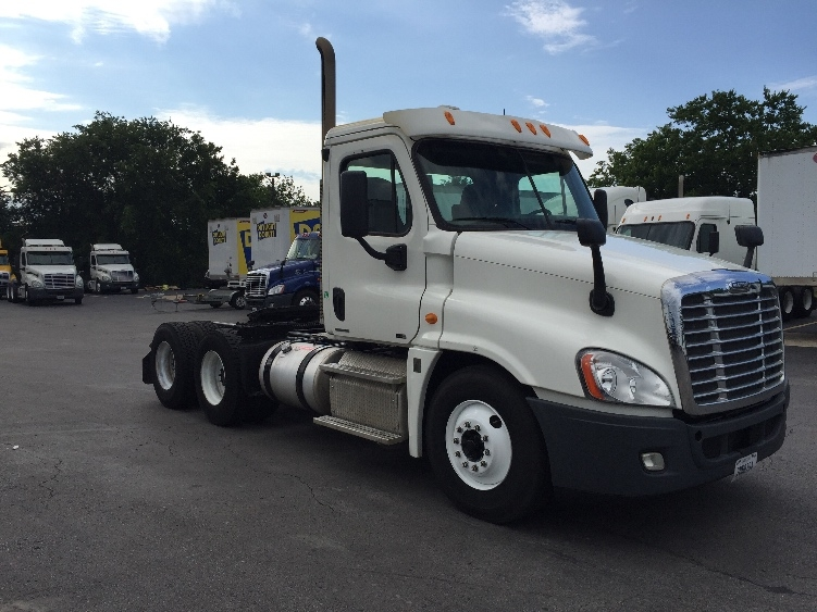 Day Cab Tractor-Heavy Duty Tractors-Freightliner-2012-Cascadia 12564ST-TULSA-OK-374,456 miles-$41,000