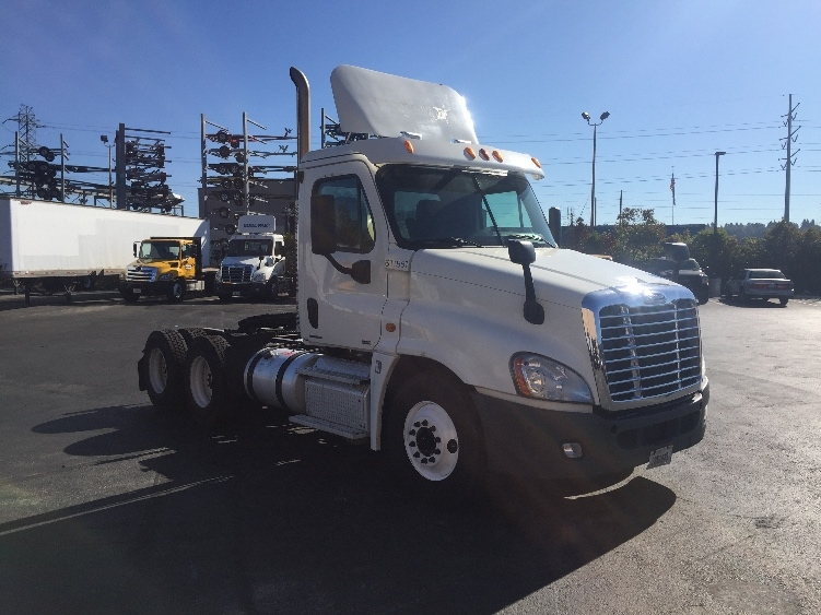 Day Cab Tractor-Heavy Duty Tractors-Freightliner-2012-Cascadia 12564ST-KENT-WA-746,421 miles-$25,500