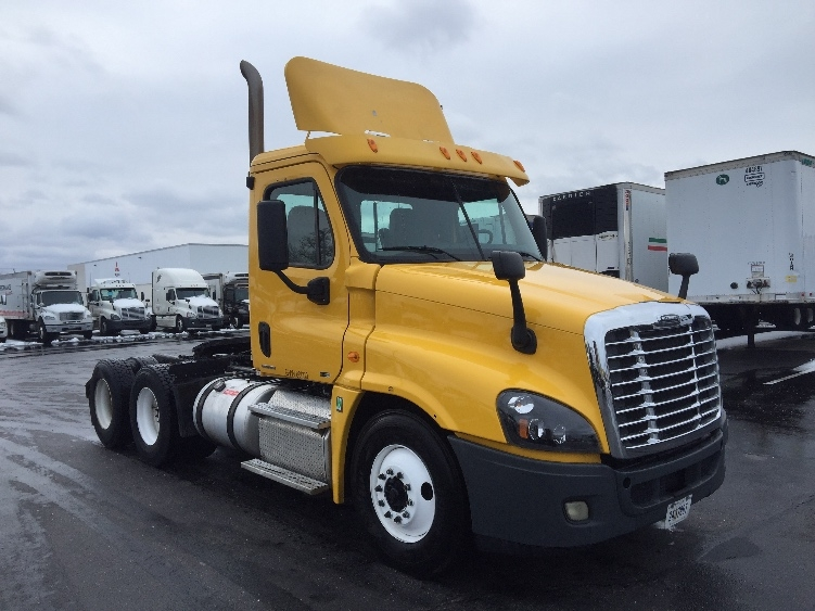 Day Cab Tractor-Heavy Duty Tractors-Freightliner-2012-Cascadia 12564ST-SWEDESBORO-NJ-196,345 miles-$43,250