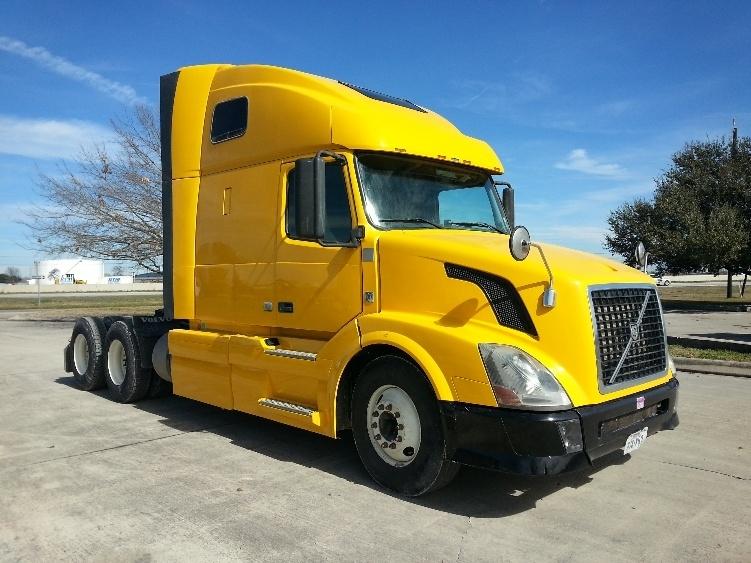 Sleeper Tractor-Heavy Duty Tractors-Volvo-2012-VNL64T670-SAN ANTONIO-TX-539,203 miles-$33,000
