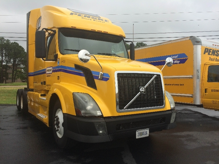 Sleeper Tractor-Heavy Duty Tractors-Volvo-2012-VNL64T670-MEMPHIS-TN-507,288 miles-$31,000