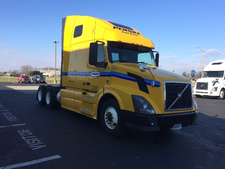 Sleeper Tractor-Heavy Duty Tractors-Volvo-2012-VNL64T670-RICHMOND-IN-513,827 miles-$33,000