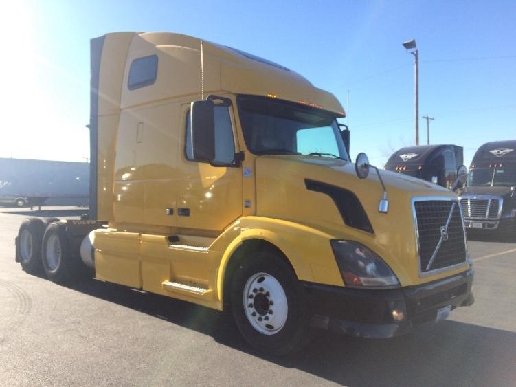 Sleeper Tractor-Heavy Duty Tractors-Volvo-2012-VNL64T670-EL PASO-TX-530,985 miles-$32,750