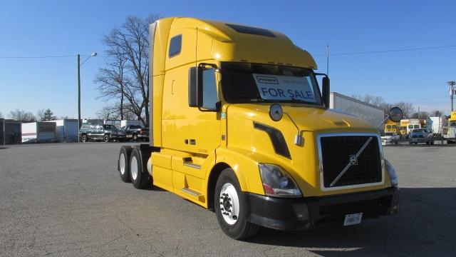Sleeper Tractor-Heavy Duty Tractors-Volvo-2012-VNL64T670-FORT WAYNE-IN-616,165 miles-$33,000