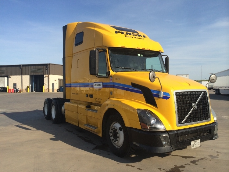Sleeper Tractor-Heavy Duty Tractors-Volvo-2012-VNL64T670-KANSAS CITY-MO-521,471 miles-$17,500