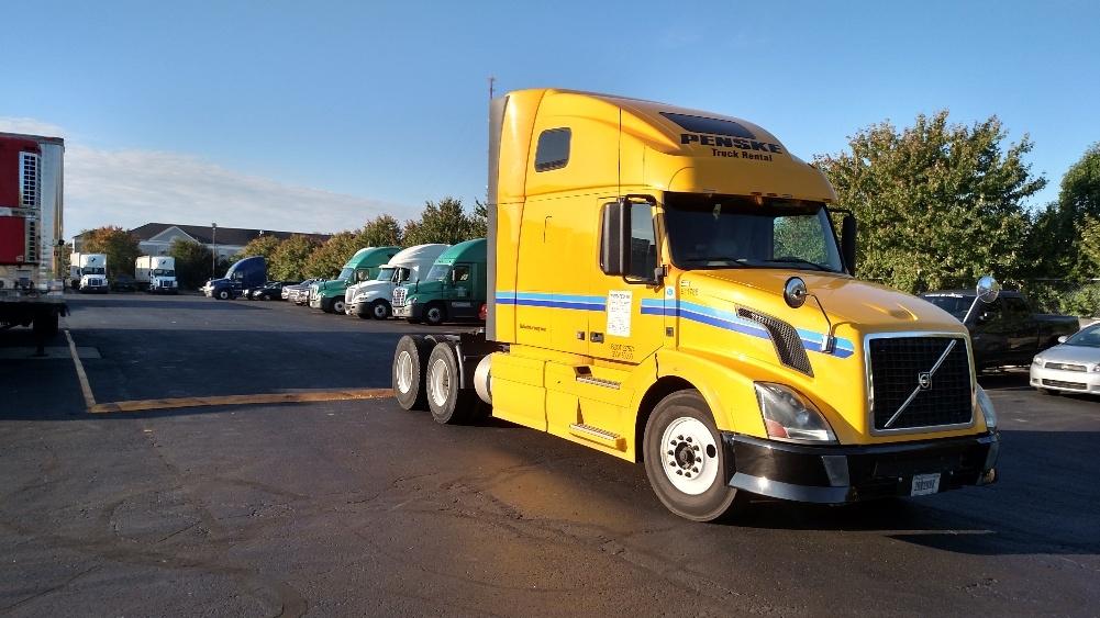 Sleeper Tractor-Heavy Duty Tractors-Volvo-2012-VNL64T670-WHITE DEER-PA-510,192 miles-$33,000