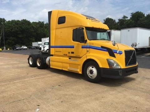 Sleeper Tractor-Heavy Duty Tractors-Volvo-2012-VNL64T670-HOMEWOOD-AL-495,617 miles-$33,000