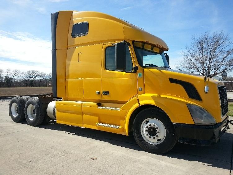 Sleeper Tractor-Heavy Duty Tractors-Volvo-2012-VNL64T670-SAN ANTONIO-TX-522,708 miles-$33,000