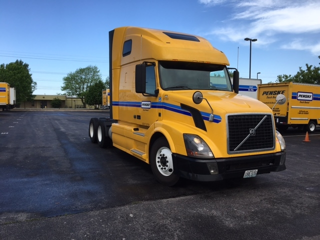 Sleeper Tractor-Heavy Duty Tractors-Volvo-2012-VNL64T670-SPRINGFIELD-MO-502,898 miles-$34,250