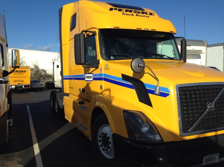 Sleeper Tractor-Heavy Duty Tractors-Volvo-2012-VNL64T670-KNOXVILLE-TN-632,911 miles-$31,250