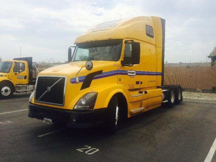 Sleeper Tractor-Heavy Duty Tractors-Volvo-2012-VNL64T670-ALLENTOWN-PA-523,767 miles-$37,250