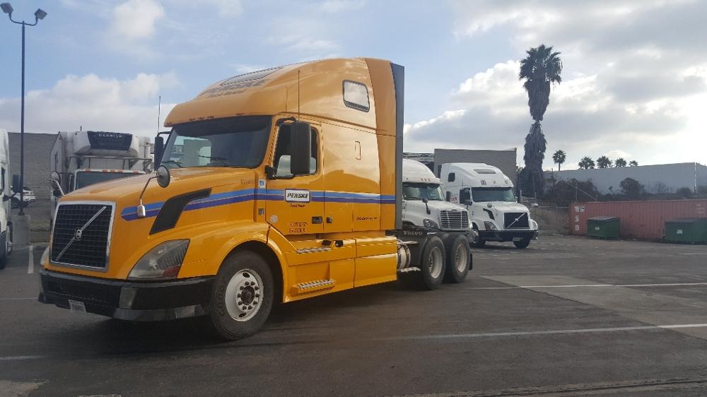 Sleeper Tractor-Heavy Duty Tractors-Volvo-2012-VNL64T670-BELDEN-MS-638,121 miles-$33,000