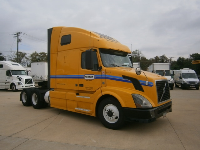Sleeper Tractor-Heavy Duty Tractors-Volvo-2012-VNL64T670-MONTEBELLO-CA-479,934 miles-$35,000