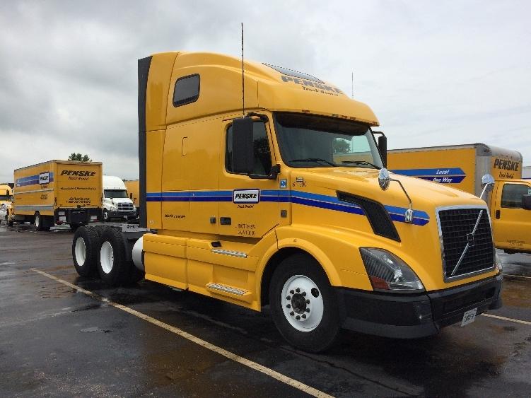Sleeper Tractor-Heavy Duty Tractors-Volvo-2012-VNL64T670-MEMPHIS-TN-479,739 miles-$37,000